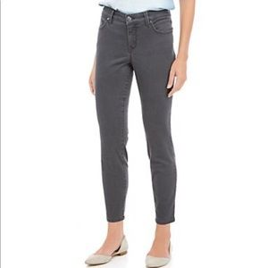 New Directions NWT Women's 5 Pocket Dyed Jeans